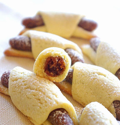 Gâteaux «croissant» aux dattes et amandes