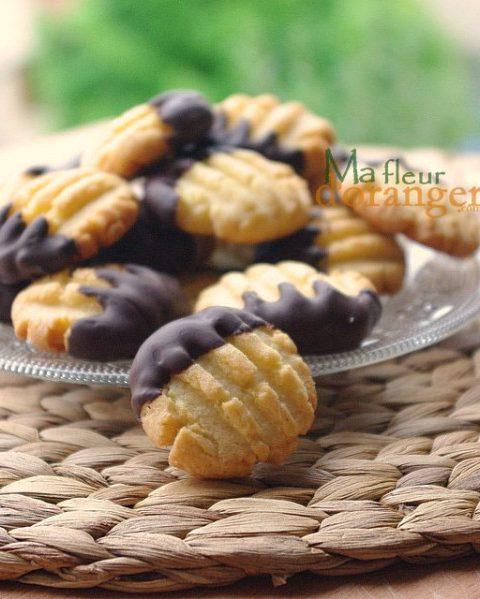 Biscuits sablés à la noix de coco et chocolat