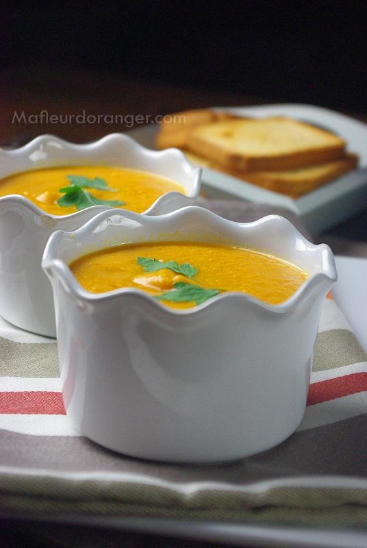 Soupe veloutée aux carottes et lentilles corail