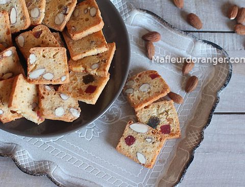 Fekkas : Biscuits croquants aux amandes et fruits confits