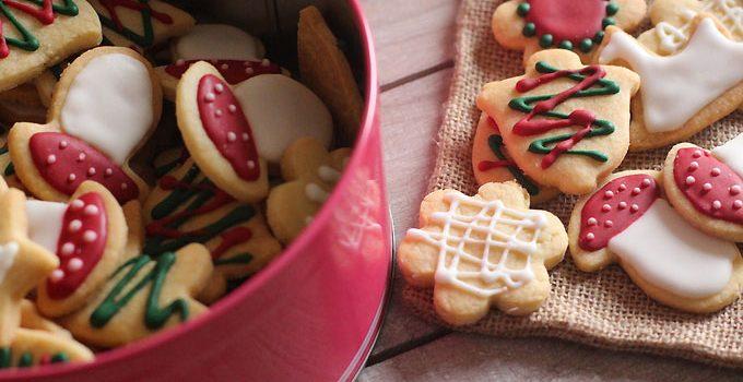 Biscuits sablés et leur glaçage royal