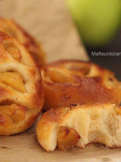 Brioches sans beurre, aux pommes caramélisées